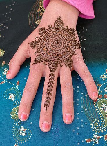 henna tattoo utrecht mandala henna design henna mandala inspired by the
