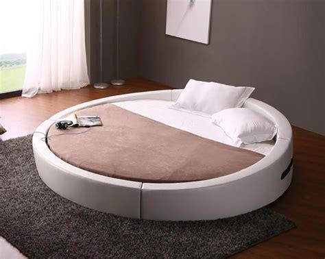 lit design rond lit rond â au cå ur dâ une chambre au design original