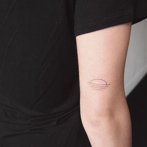 Minimalist Tattoo Artist Toronto | minimalist sunset tattoo people toronto jess chen