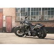 Harley Davidson Softail Breakout FXSB Bilder Und