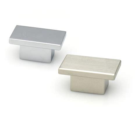 brushed chrome kitchen cabinet handles chrome door pulls and knobs great chrome kitchen cabinet