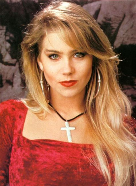 nancy garcia tan cardinal santos 0 42 christina applegate kelly bundy ourania