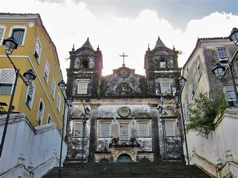 Paco Paco Pesisir Selatan kota ini punya 365 gereja 1 untuk tiap hari dalam setahun