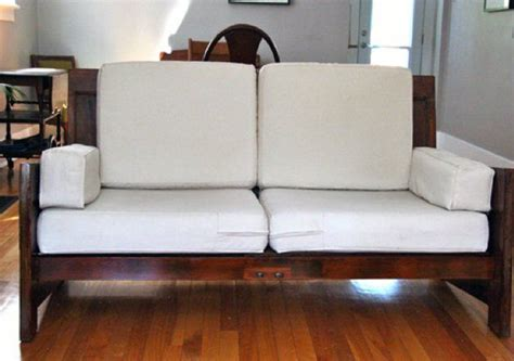 Where Are Couches Made by Sofas Fabricados Con Puertas Viejas