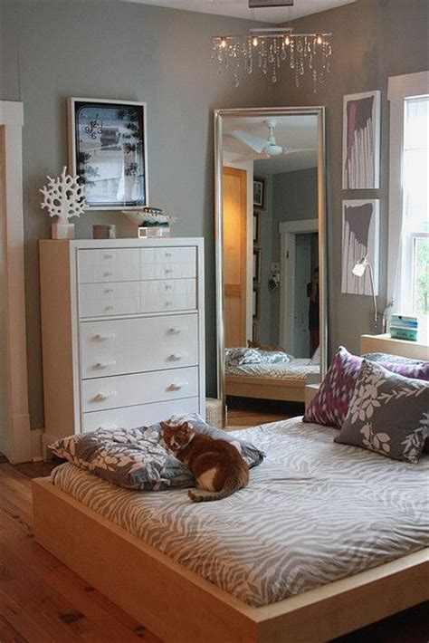 mirror placement bedroom 25 best ideas about bed placement on pinterest rug