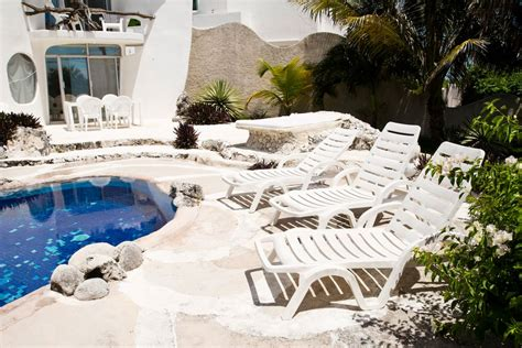 shell house isla mujeres airbnb the world famous seashell house casa caracol
