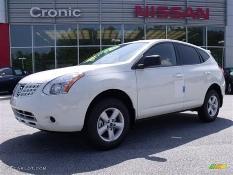 2010 phantom white nissan rogue s 360 value package