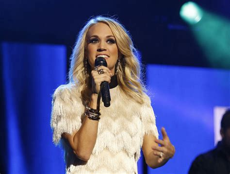 new year underwood carrie underwood to help rock in the new year arts