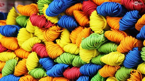 colorful yarns colorful yarn 390 pieces jigsaw puzzle
