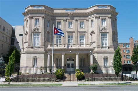 obama on cuban embassy this is what change looks like could barack obama give the guantanamo naval base back to