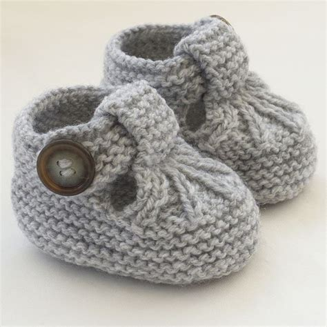 knitted baby sandals free pattern 25 best ideas about knit baby shoes on