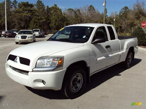 how does cars work 2007 mitsubishi raider free book repair manuals 2007 arctic white mitsubishi raider ls extended cab 26673471 gtcarlot com car color galleries