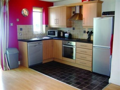Small Kitchen Designs On A Budget Small Kitchen Decorating Ideas On A Budget Designcorner