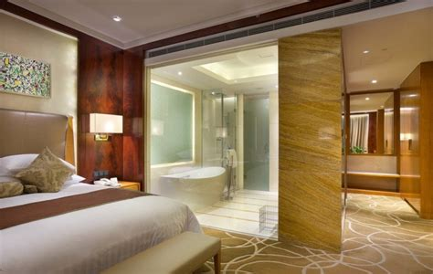 desain kamar dengan kamar mandi dalam contoh desain kamar mandi di dalam kamar tidur renovasi