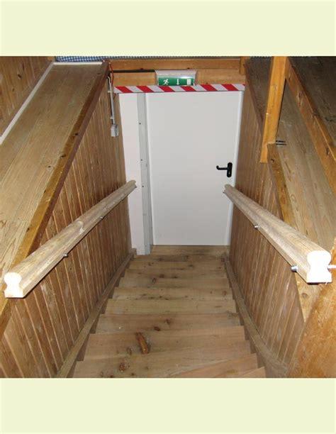 innentüren holz design keller treppe