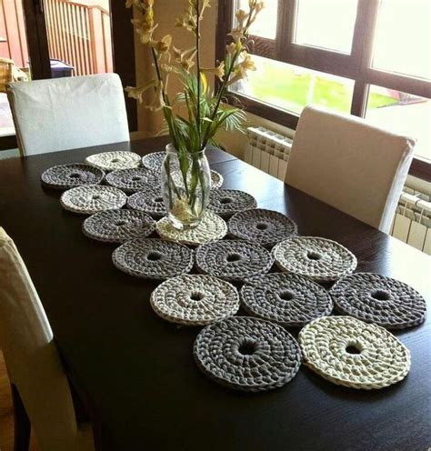 table runner for table 25 best ideas about crochet tablecloth on