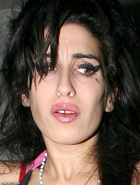 Winehouse In Another Mess by Another Day S Winehouse Out Until 5am With