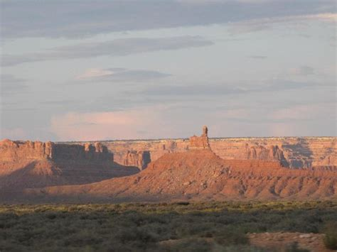 valley of the gods bed and breakfast sunrise kokopelli foto van valley of the gods bed and breakfast mexican hat