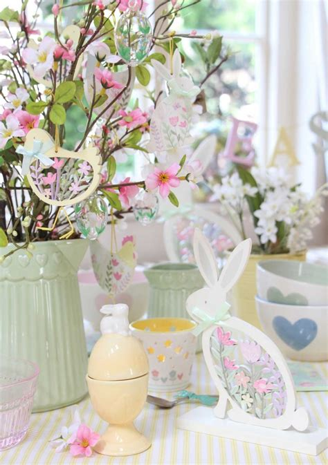 Pastel Decorations by Decorating For Easter Pastel Easter Decorations