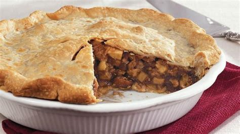 foodimentary celebrating 365 food holidays with classic recipes books october 26 is national mincemeat pie day foodimentary