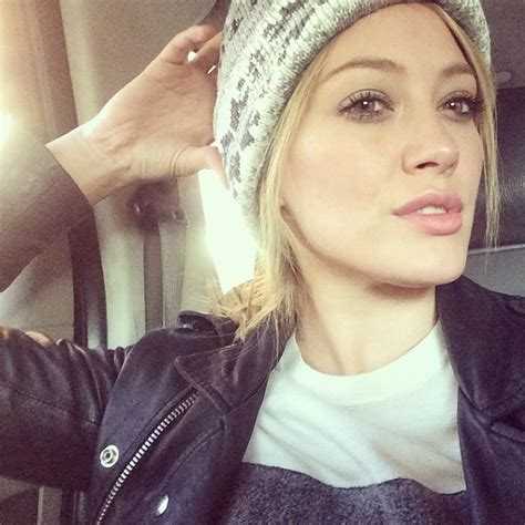 Hilary Duffs Single And Loving It by Hilary Duff Has A New Single And We Re Loving It