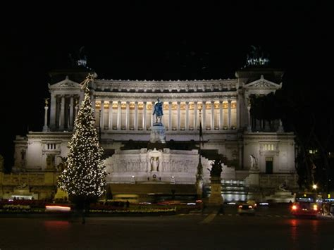 valtellinese roma arriva dalla valtellina il grande albero di natale di