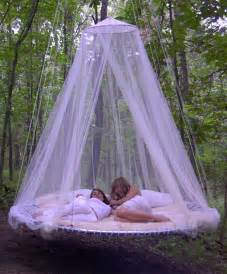 Hanging Bed Canopy Outdoor Canopy Bed With Hanging In Tree