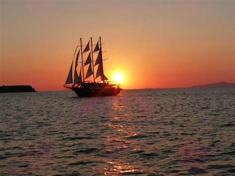 sunset sailing catamaran cruise santorini santorini sunset picture of sunset oia sailing cruises