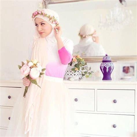 Aksesoris Flower Crown Pesta Putih Mahkota Bunga Wedding Wanita Fcw03 20 inspirasi mahkota bunga atau flower crown yang cantique untuk hari pernikahanmu