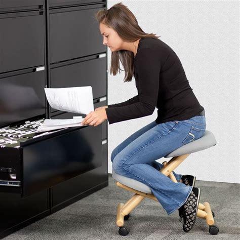 sedia ginocchia caratteristiche delle sedute ergonomiche cura dei mobili