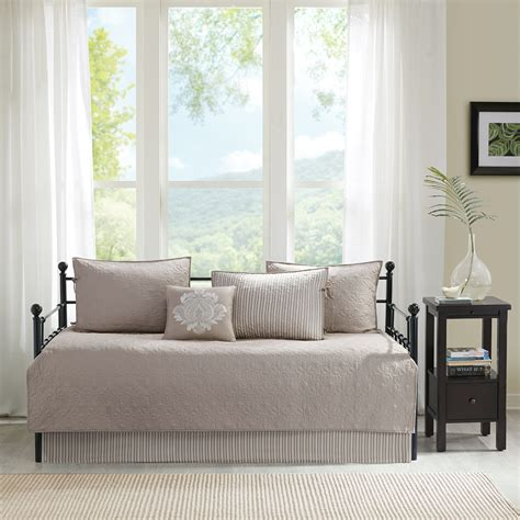 madison park quebec coverlet set madison park quebec 6 piece daybed set ebay
