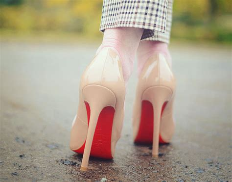 high heels that are easy to walk in how to walk in high heels without advice for beginners