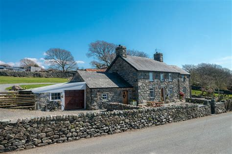 New Years Cottages cottages for new year celebrations cottages wales self catering snowdonia