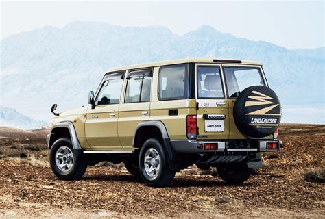 land cruiser 70 toyota land cruiser 70 series re release photo gallery