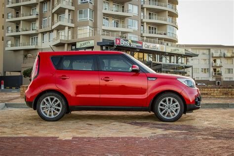 Kia Soul Dealer by Kia Soul 1 6crdi Start 2017 Review Cars Co Za