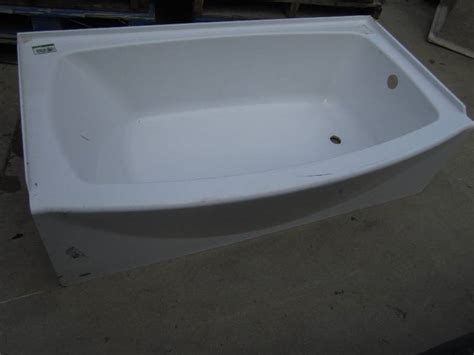bathtub chip right drain fiberglass tub has a s furniture new