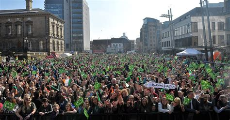 st s day 2016 new jersey st s day 2016 in belfast draws large crowds and a bit of lord mayor belfast live