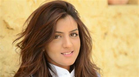 foto hot biografi mahira khan aktris perempuan pakistan baguseven blog