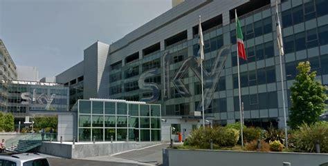 sky sede roma tv sky esuberi e licenziamenti a piano zappia