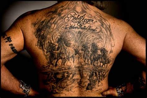 back tattoo man on ledge αντρικά tattoo για πλάτη και στήθος