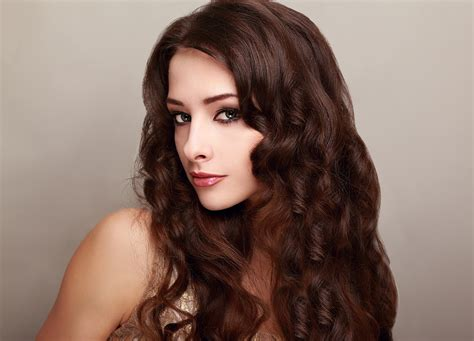 hair stly salon shoo will help your hair keep its style after a