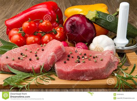 Red Meat With Vegetables Royalty Free Stock Photos   Image