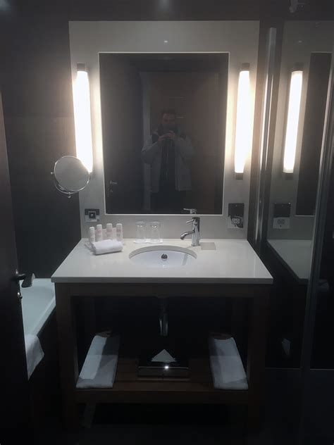 dublin hotels with tub in room hotel review radisson royal dublin free breakfast for gold members