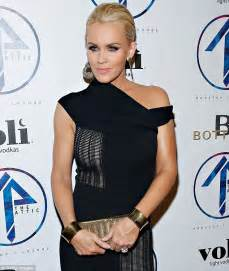 jenny mccarthy without extensions does donnie wahlberg have a hair piece jenny mccarthy