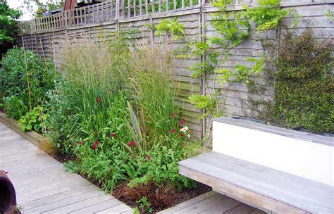 garden design for small garden with decking