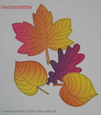 herbstblätter basteln aus papier herbstbl 228 tter aus regenbogen tonpapier basteln rund ums jahr