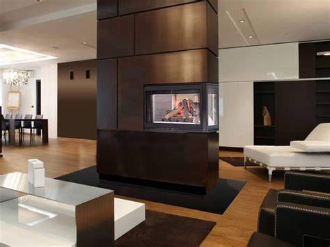 gorgeous  sided fireplaces   spacious homes