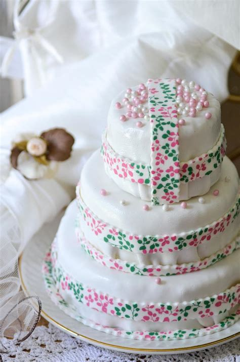 home made cake decorations wedding cakes wedding cake 1980595 weddbook