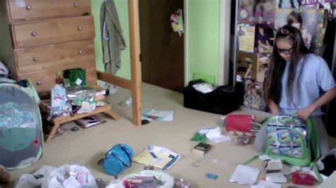 tips for cleaning a messy bedroom how to clean a really messy bedroom memsaheb net