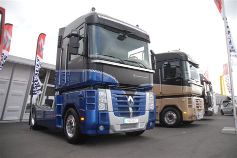 renault trucks magnum renault trucks corporate press releases 10 magnum with